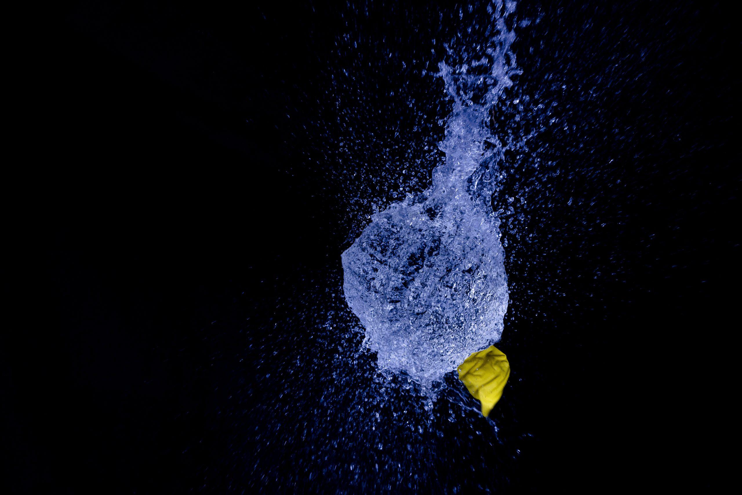 Knallend het nieuwe jaar in……waterballonfotografie